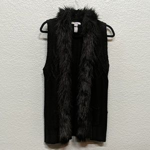 Faux fur trim knit vest
